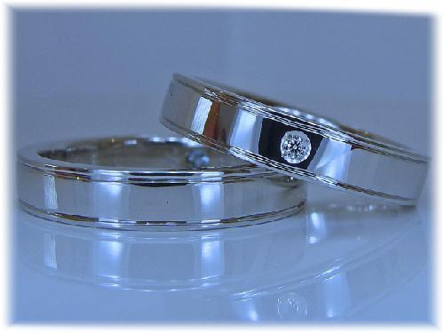 マリッジリング シンプル&ダイヤモンド1/100ctハート&キューピット 天地ライン