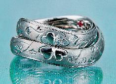 マリッジリング 重ねるとクローバー&イニシャル(T Y)ダイヤモンド・ハート&キューピット