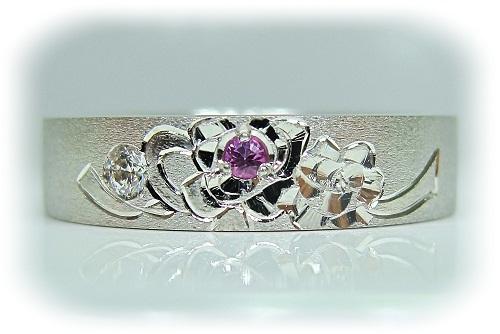 マリッジリング 一本だけのマリッジリング薔薇立体彫金ピンクサファイヤ&ダイヤモンド1/30ctハート&キューピット