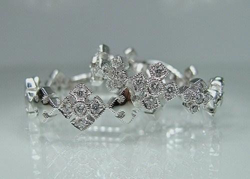 マリッジリング アンティークリバイバル・クローバー紋様ミル打ち、ダイヤモンド