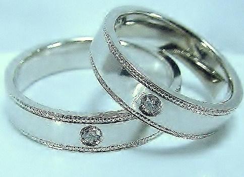 マリッジリング ダイヤモンド アンティークリバイバル「ミル」打ち