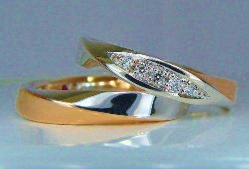 プラチナ/ピンクゴールドコンビネーション・スパイラルダイヤモンド1/100ct・VSハート&キューピット5pc