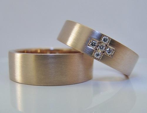 マリッジリング ピンクゴールド、クロスデザイン、ダイヤモンドハート&キューピット5