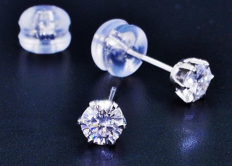 プラチナ ダイヤモンドピアス0.22ct VS〜SIクラス