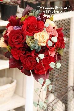 赤バラのオーバルブーケ