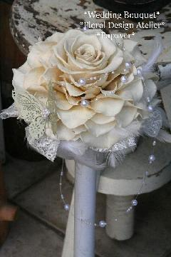 白バラのメリアブーケ*蝶