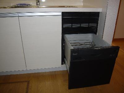 既設のキッチンに後付けで食器洗い乾燥機を取付ました