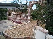 煉瓦のアーチと装飾積み