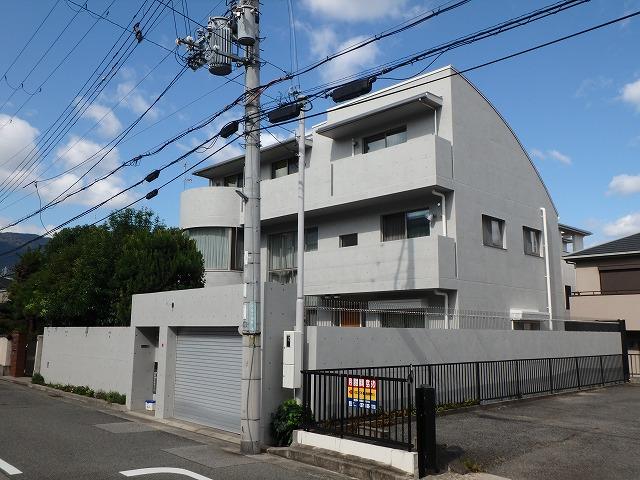 兵庫県西宮市T様邸 打ち放しコンクリート補修工事 2