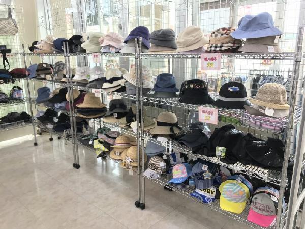 サカエ屋帽子売場