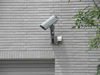 自宅に防犯カメラや防犯灯を付けたい。