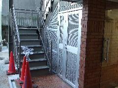 東京都 港区 赤坂 ゴミ置場(アルミパンチングパネル)目隠し