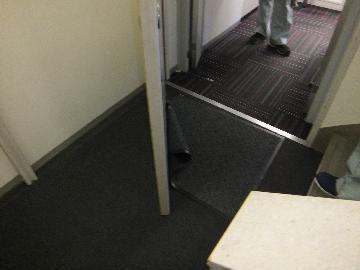 東京都港区事務所ビルで防火扉検査の防火設備検査実施しました。