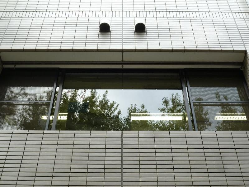 渋谷のビル高所ガラス清掃
