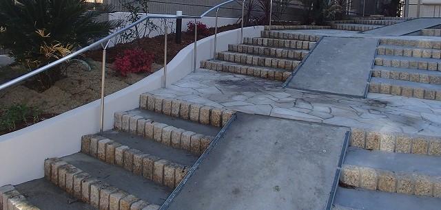 アパート入口の階段の施工例