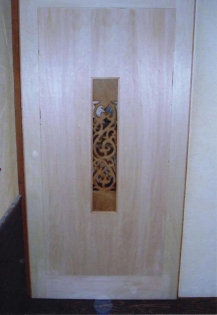 一般住宅 デザインドア(岐阜県羽島市) 彫刻ドア 仕切り