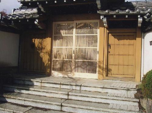 一般住宅 門戸の引き戸(愛知県一宮市)格子