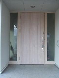 愛知県一宮市 羽目板玄関ドア ワンシリンダーツウロック