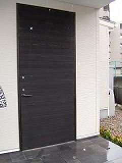 玄関ドア(愛知県稲沢市)コンシールドドアクローザー、隠し丁番