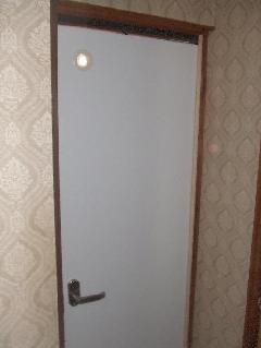 介護トイレドア  老人ホーム 小スペースドア
