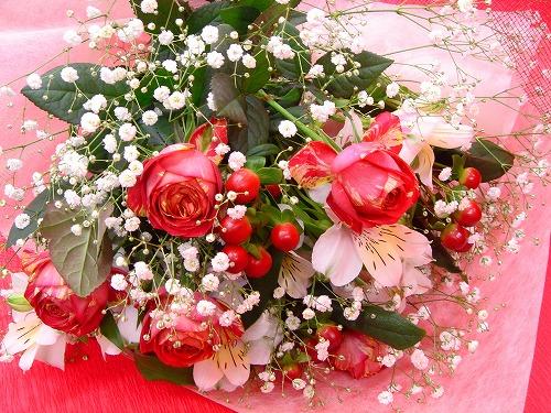 かわいい咲き方のバラを使用しました
