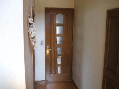 廊下〜キッチン ガラス入り木製ドア