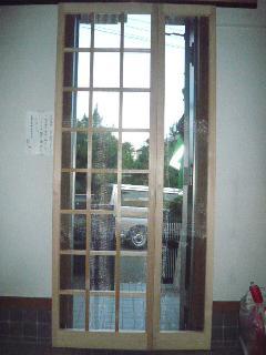 玄関扉内 天吊り型木枠網戸