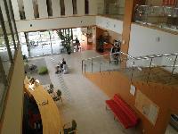関西リハビリテーション病院1階メインフロアー