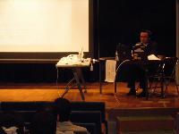 箕面市市役所人権セミナー(箕面市立病院いろはホールにて)講演の様子