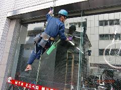 大宮区 ビルのガラス掃除