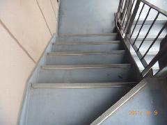 館山市 アパート 階段清掃