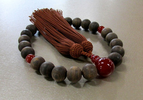 □男性用片手念珠 黒檀サラシ ブラウン瑪瑙仕立 正絹頭房 ※在庫処分特価品
