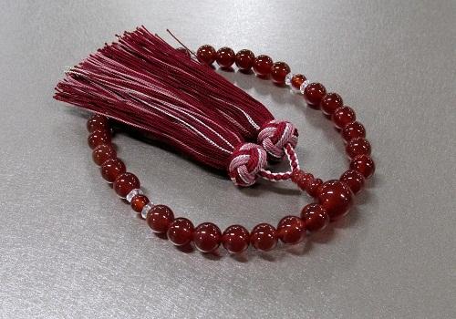 ●女性用片手念珠 赤瑪瑙・水晶仕立 桐箱入 三色房 創作念珠