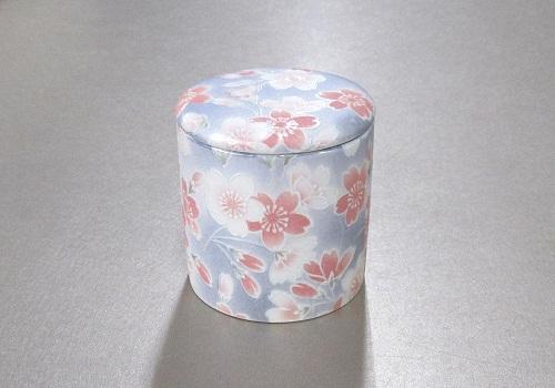 ●骨壺・骨壷 シリコン付骨カメ 2.0寸 桜ころも ブルー