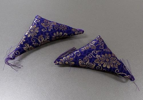 ○額布団・額受布団 金欄 紫 一対 小