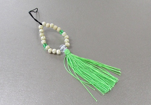 □お守り数珠ストラップ 星月菩提樹正絹房 若草