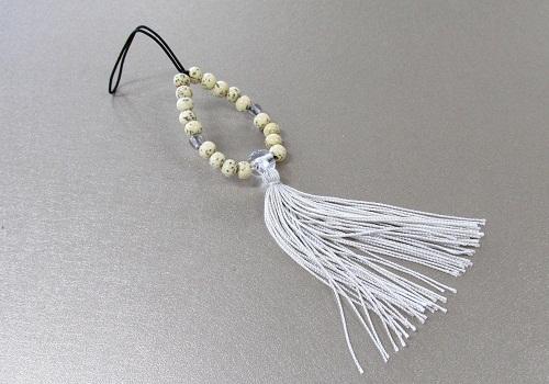 □お守り数珠ストラップ 星月菩提樹正絹房 灰白