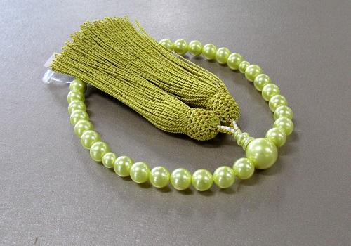 ■女性用片手念珠 イエロー貝パール共仕立 正絹頭房 桐箱入 ※在庫処分特価品