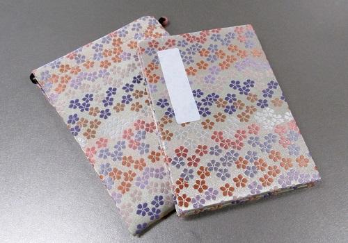 ●御朱印帳&ケースのセット 小 ��1 アコーディオン式 花花 白/薄紫・ピンク ※在庫処分特価品