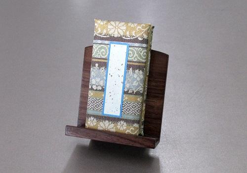 ◆過去帳・見台セット 鳥の子過去帳高倉錦3.0寸、木製低見台2.5寸押え付ウォールナット色
