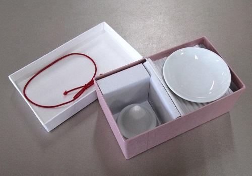 ◆塩盛ギフトセット 盛り塩の型と白皿2枚のセット