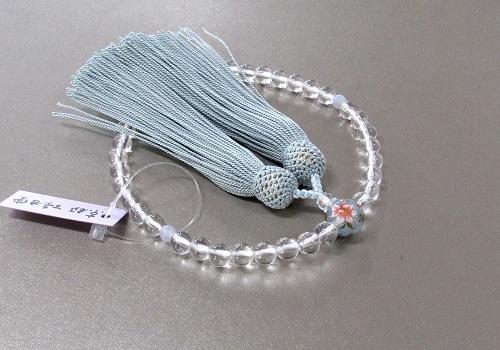 ◆女性用片手念珠 水晶二天貴石仕立親玉PC花柄 正絹頭房 紙箱入 水色