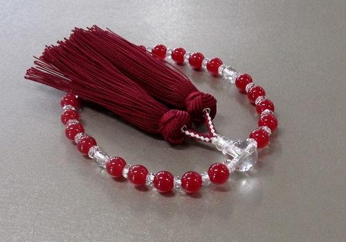 ◆女性用片手念珠 レッドカルセドニー・水晶仕立 桐箱入 正絹房 創作念珠