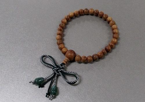 □子供用念珠・数珠 こどもじゅず 欅 正紐結 翡翠付
