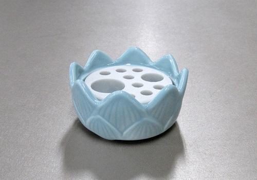 ●多孔盤付香炉 青磁無地 小