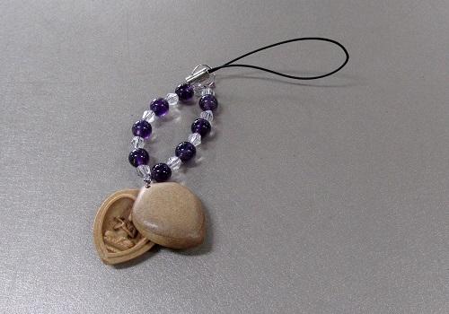 □白檀八体仏ストラップ 紫水晶 午 勢至菩薩