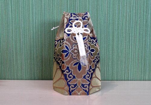 □六角骨覆 骨袋六角 2.0寸用 並金襴 分骨袋 紺 (シール金)