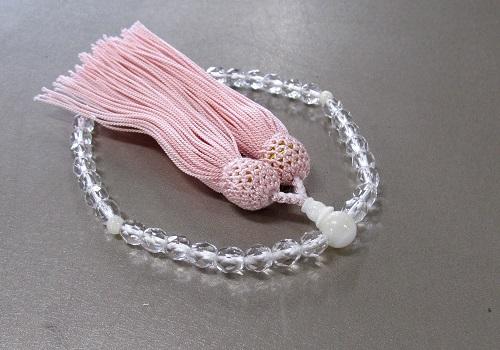 ○女性用片手念珠 ガラスカット蝶貝仕立 人絹頭房 ピンク