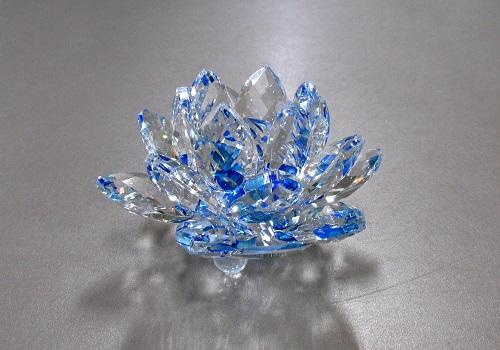 ●クリスタル置物 蓮 サンキャッチャー ブルー