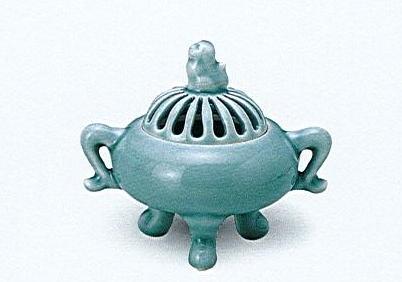 ◇有田焼香炉 青磁蕪型菊割耳付香炉